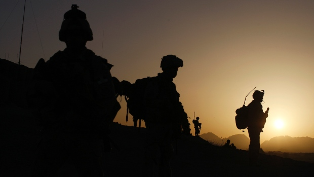 Canadian Forces depart for a special operation at Sanjaray in Kandahar province, Afghanistan in May 2009. CBC News has learned that top generals from Canada and the U.S. considered a plan to integrate forces.
